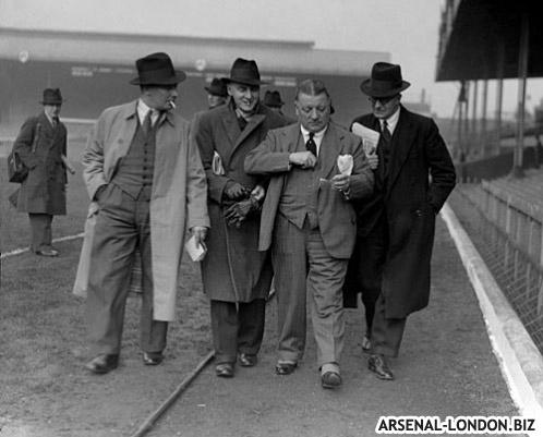Эллисон с руководителями Арсенала