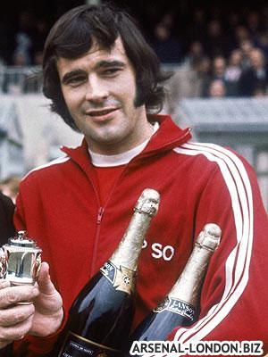 Питер с выигранными кубками