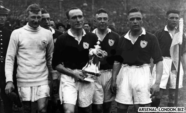 Паркер с первым для Арсенала Кубком Англии