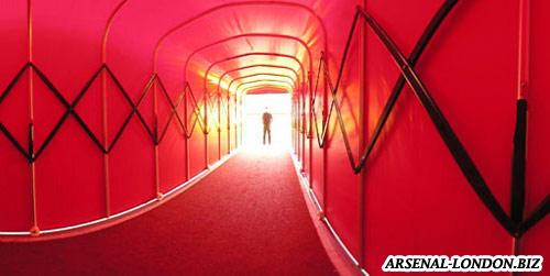 Тоннель ведущий на поле стадиона Эмирейтс
