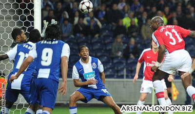 Порту-Арсенал, 2:1, гол Сола Кемпбелла