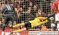 Арсенал - Вест Хэм, Альмуния отбивает пенальти