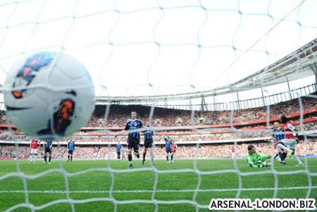 Жервиньо забивает первый гол Сток Сити